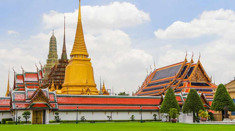 • Grand Palace Tour & Emerald Buddha Temple Tour Bangkok