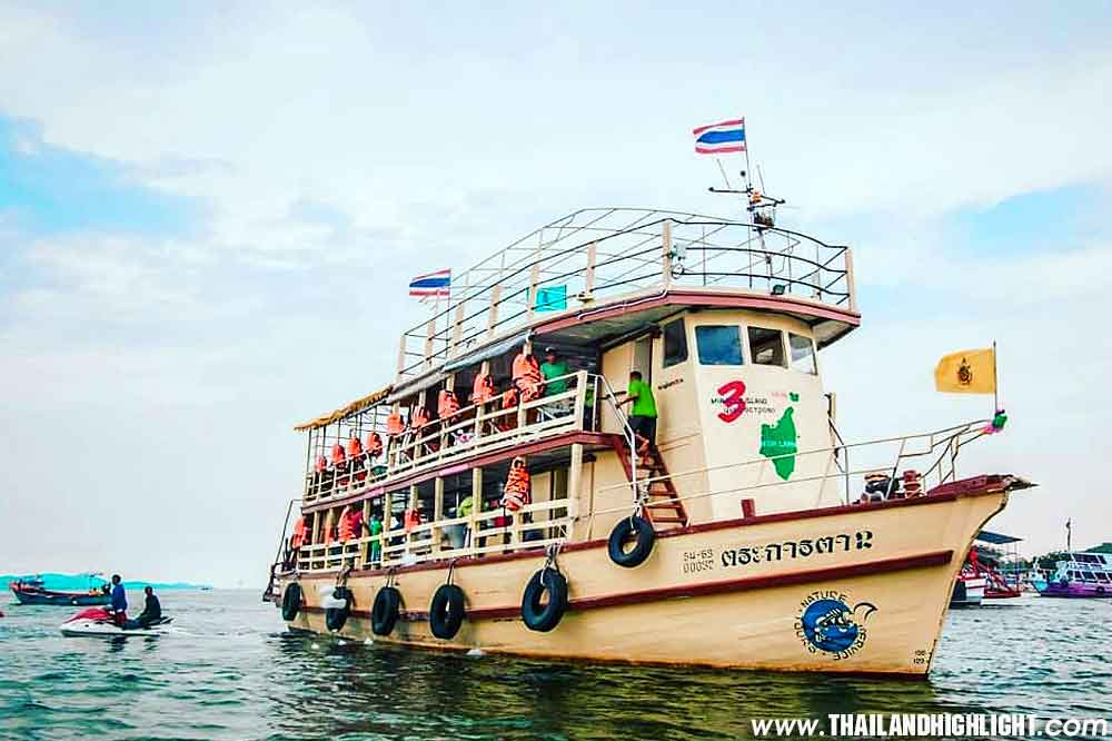 Experience beutiful three Islands with 3 Miracle Island Pattaya Tour,famous tour three Islands package including drink banana boat parachute fishing trip