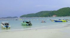 Booking Trip to Kohlarn Coral Island Pattaya seafood lunch-Thai food.Including as Snorkeling,Parasailing,Undersea walk,Banana boat,Jet ski,Glass bottom boat