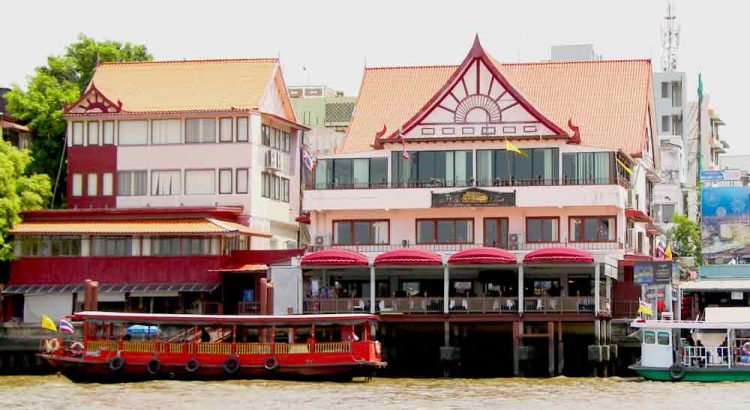 Cheap riverside restaurants bangkok, enjoy delicious buffet lunch Bangkok at Wanfah Restaurant near bank of Chaophraya river,booking discount price offer