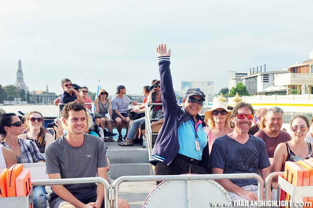 Discount booking online of Hop on Hop off Boat Bangkok Ticket Booking.Riverboat trip along Chao phraya hop on hop off tourist boat pass by river boat tours
