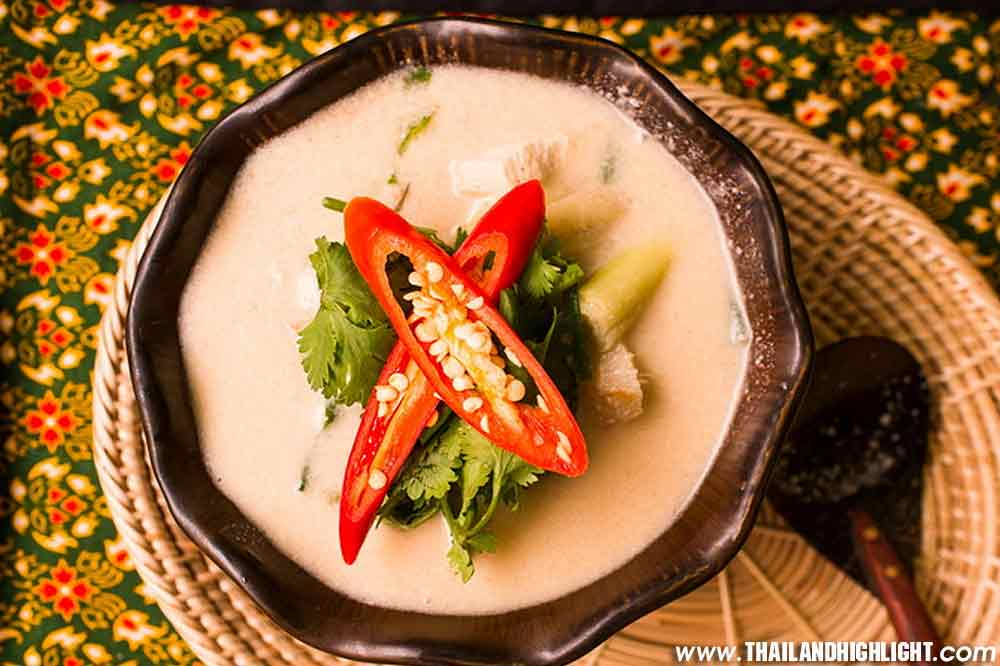Experience Cooking Class in Bangkok Silom Thai Cooking School, learn to cook famous Thai dishes in a relaxed and friendly guide,best price promotion booking
