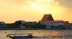 Private Traditional Local Boat Trip with Sunset Longtail Boat Bangkok Tour,enjoy to see lifestyles of Thai people and magnificent view of Chao Phraya river