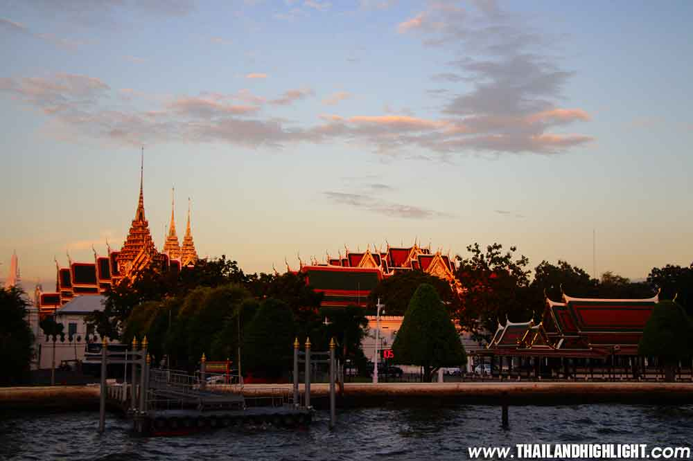 This is Sunset Bangkok best place for travel, great experience Sunset River Cruise Bangkok Yodsiam Boat, Including fruit, Discount Ticket Price Booking Online